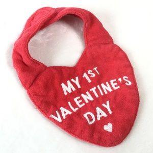 Free with purchase 🌟 Valentine's Day bib